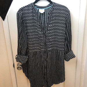 Anthropologie Maeve Tops - Anthropologie Mave Black & white long sleeve tunic